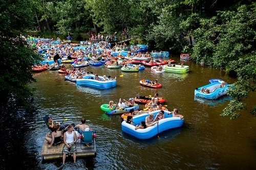 Фестиваль плавающего пива