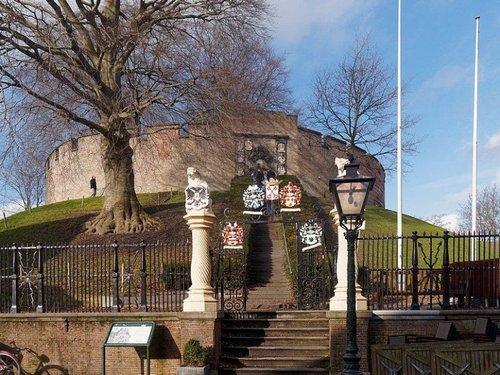 Нидерланды. Замок Бурхт Ван Лейден