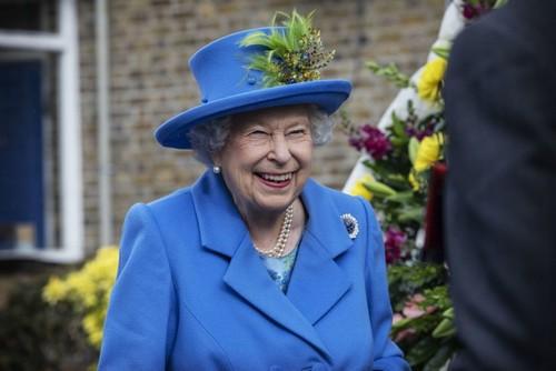 Кого из внуков любит Елизавета II