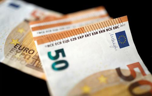 Время мошенников, россиянам станет сложнее сохранять деньги