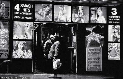Драки, проститутки и бомжи: Нью-Йорк 1980-х в объективе таксиста, ставшего фотографом люди, нью-йорк, прошлое, ретро фото, сша, фото, фотографии