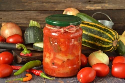 Лечо из кабачков с перцем, помидорами и луком на зиму