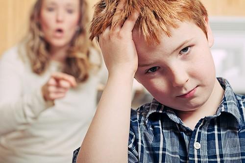 «Как убедить сестру не срывать злость на ребенке?»