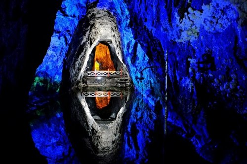 Южная Америка. Соляная шахта Немокон в Колумбии