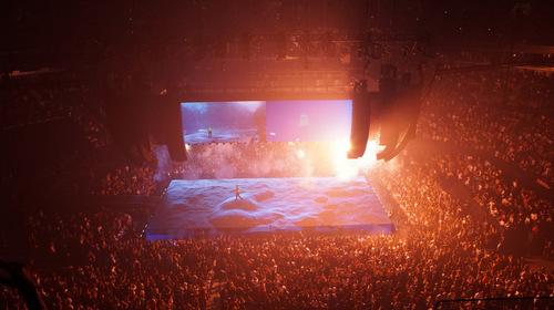 Drake's Tour / Sila Sveta