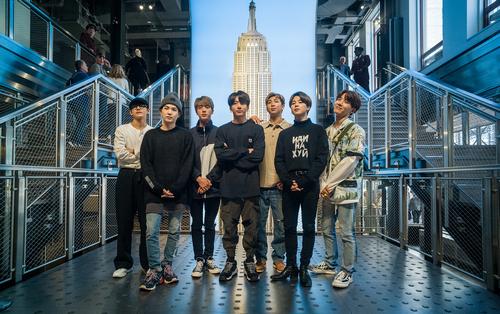 Корейская поп-группа BTS попала в список Forbes