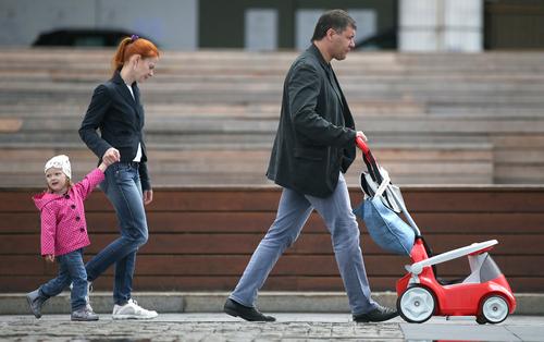 Почему в России так легко изъять детей из семьи