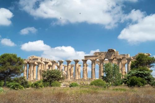 Античные развалины на острове Сицилия