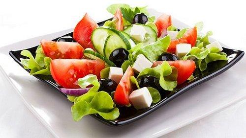 Греческий салат, рецепт в домашних условиях