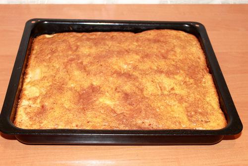 Пирог шарлотка готов