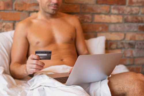 Виртуальная любовница развела мужа на деньги